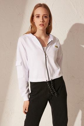 LC Waikiki Kadın Optik Beyaz Sweatshirt 0SK010Z8