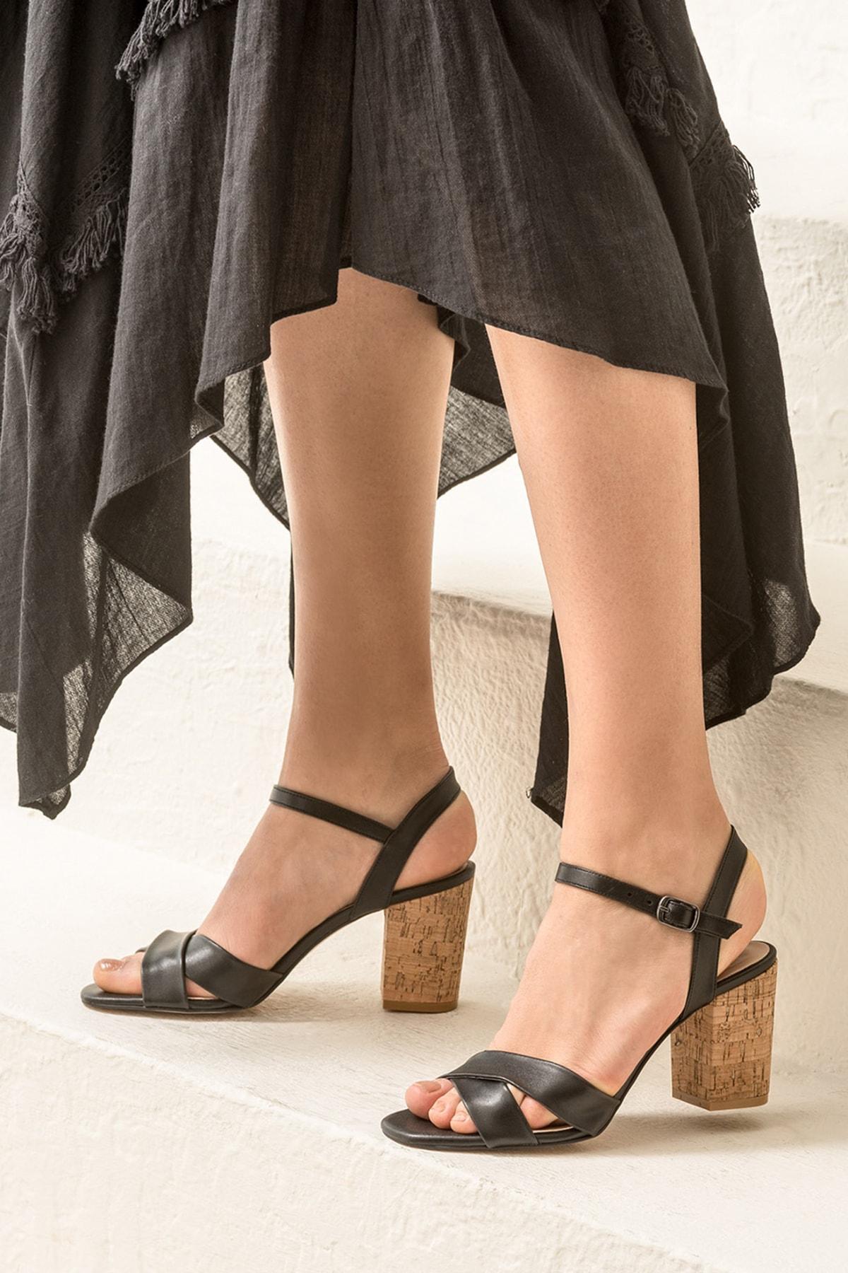 Elle Shoes GOLETAA Siyah Kadın Sandalet 1