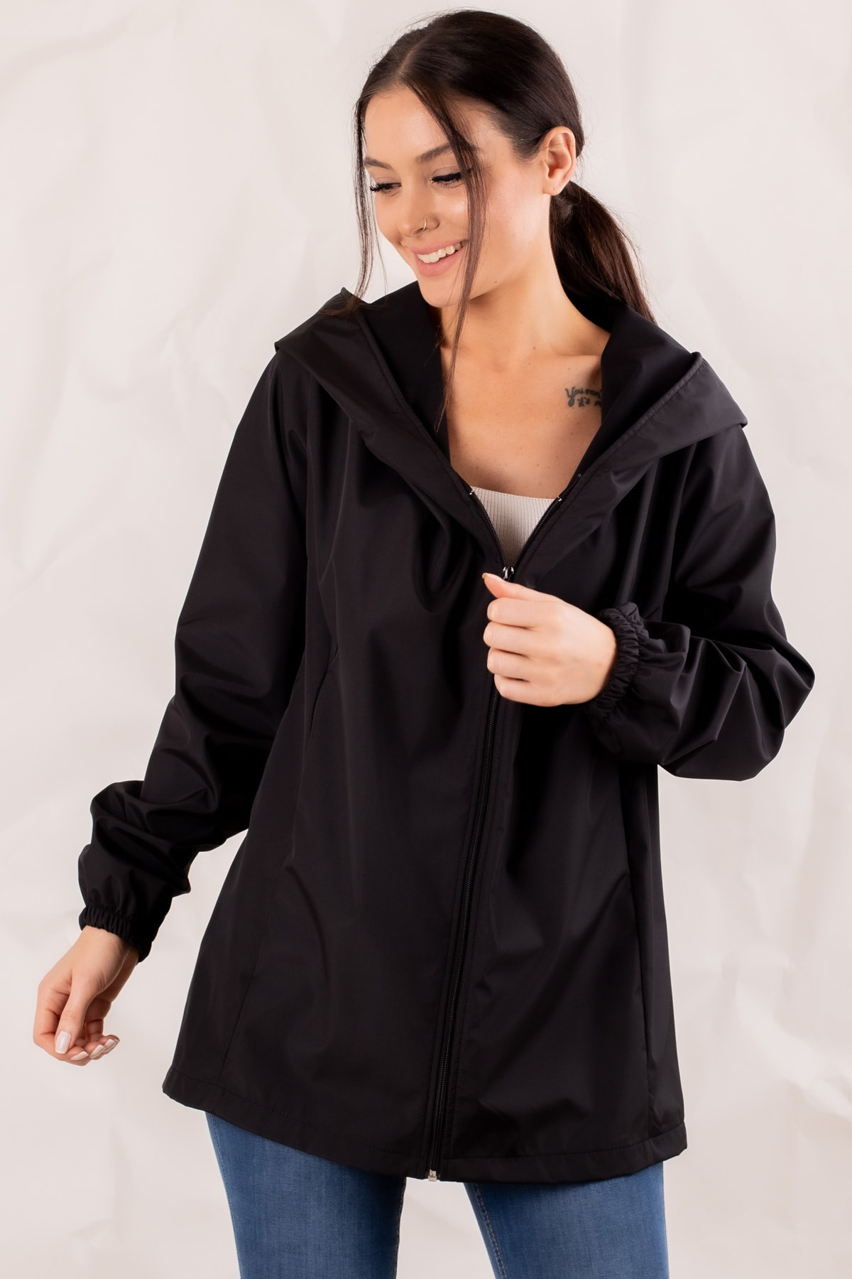 armonika Kadın Siyah Fermuarlı Kapişonlu Yağmurluk ARM-20K001187 2