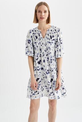 DeFacto Kadın Lacivert Volanlı V Yaka Çiçek Desenli Mini Elbise