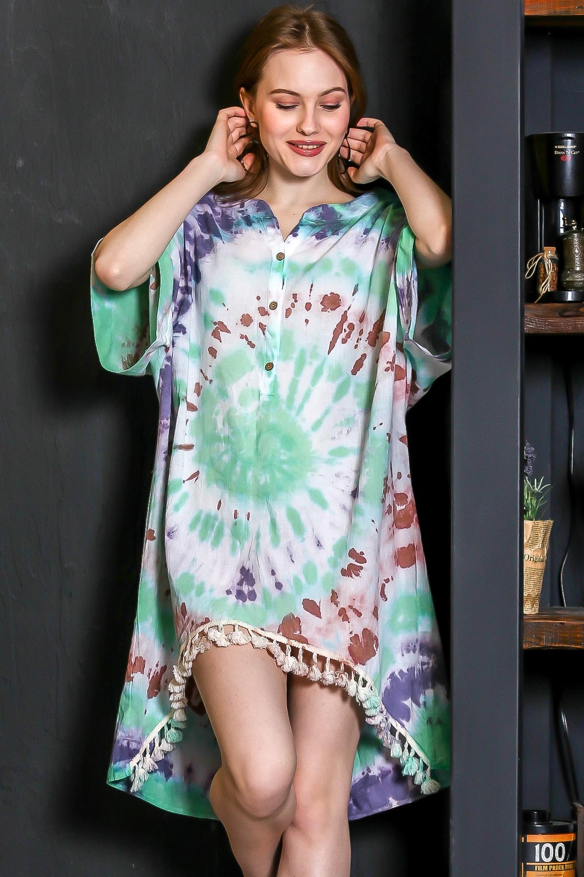 Chiccy Kadın Yeşil Patı Düğmeli Etek Ucu Püsküllü Batik Desen Salaş Elbise M10160000EL95224