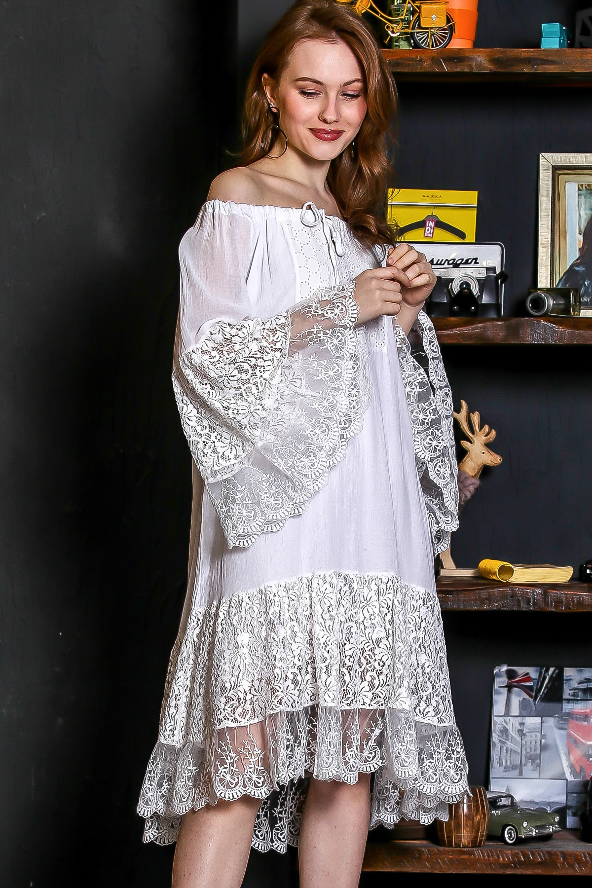 Chiccy Kadın Beyaz Carmen Yaka İspanyol Kol Dantel Detaylı Astarlı Salaş Midi Elbise M10160000EL95240