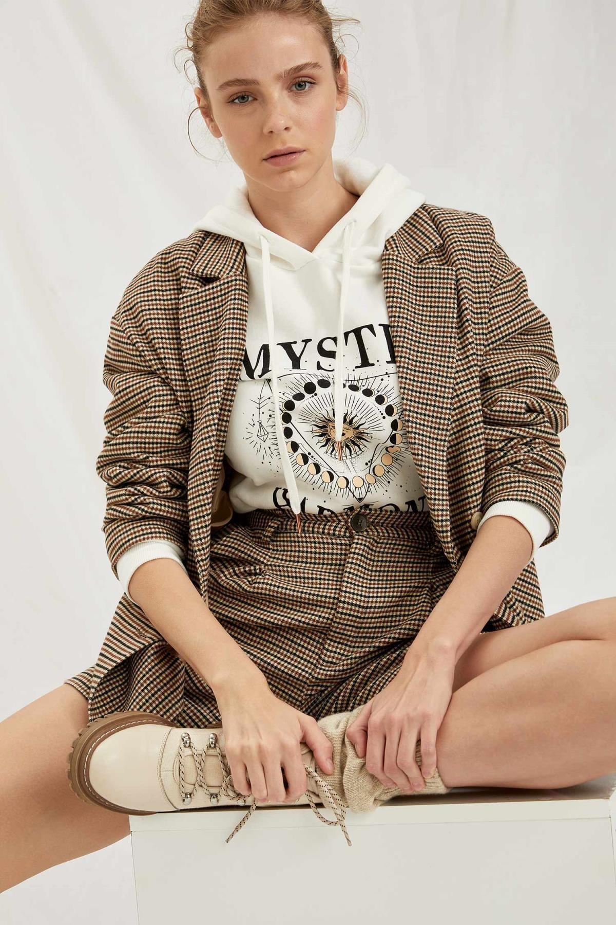 DeFacto Kadın Gri Retro Ekoseli Oversize Gömlek Ceket 2