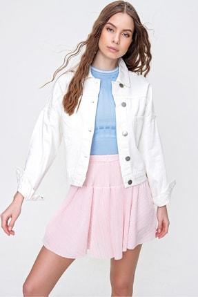 Trend Alaçatı Stili Kadın Beyaz Crop Denım Ceket ALC-X3631-RV