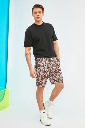 TRENDYOL MAN Çok Renkli Lisanslı Erkek Regular Fit Tazmanya Canavarı Baskılı Şort & Bermuda TMNSS21SR0015