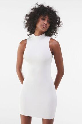 Bershka Kadın Kirli Beyaz Parlak Taşlı Askılı Mini Elbise 00529376