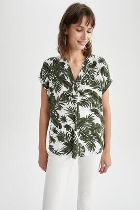 DeFacto Kadın Yeşil Tropik Desenli Hakim Yaka Kısa Kollu Bluz