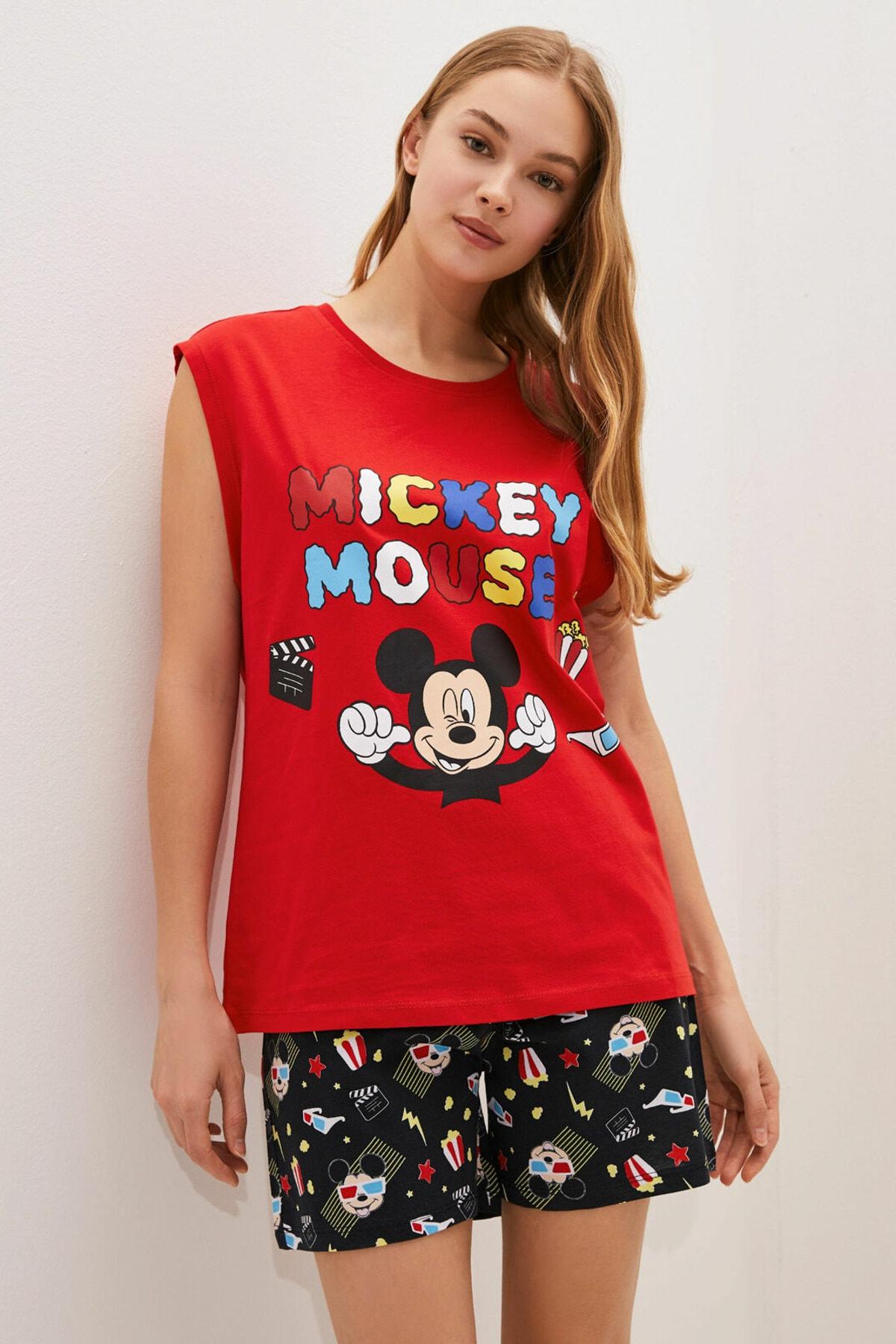 LC Waikiki Kadın Canlı Kırmızı Mickey Mouse Pijama Takım 2