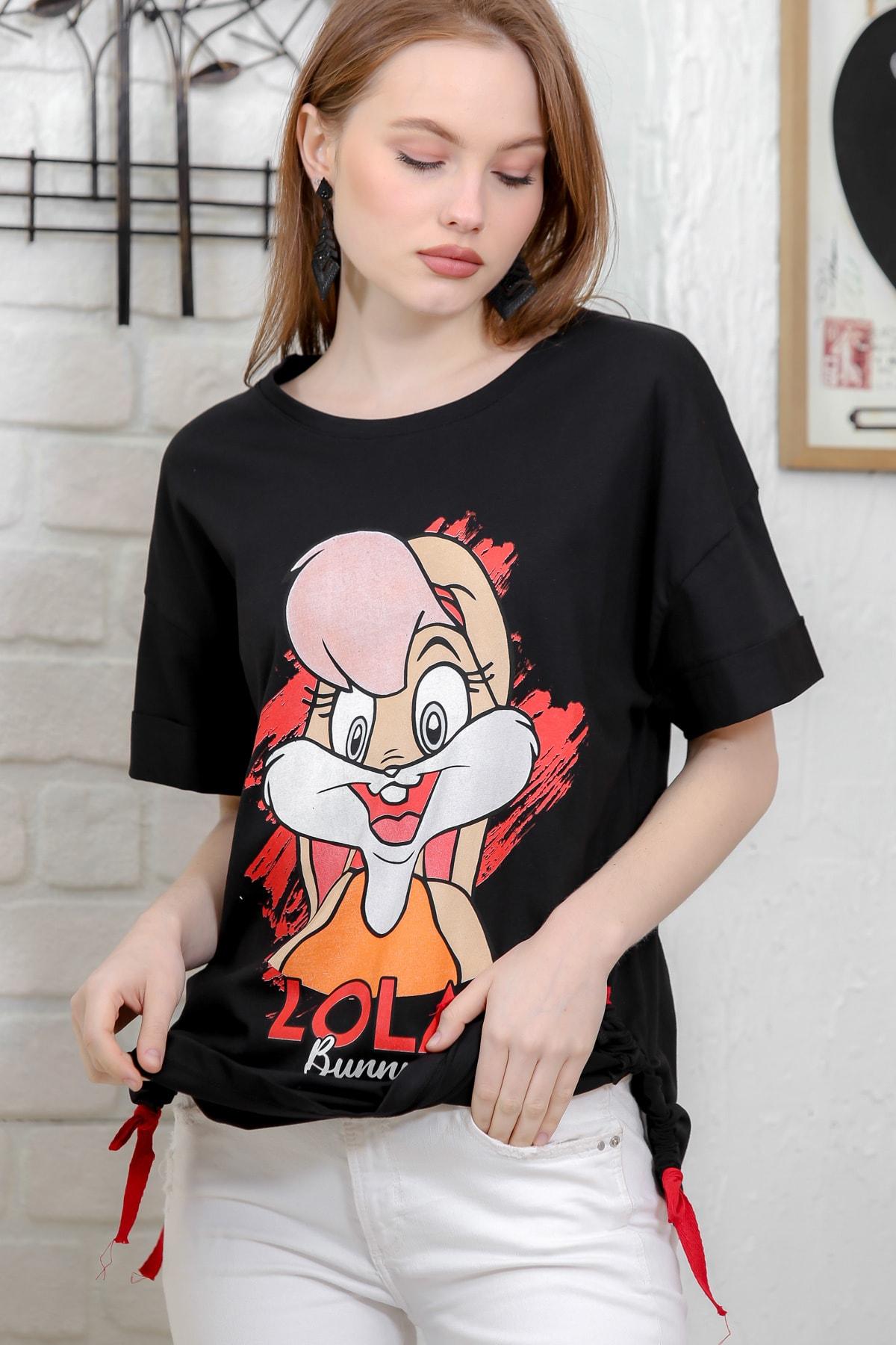 Chiccy Kadın Siyah Sıfır Yaka Lola Baskılı Yanı Büzgülü Yırtmaçlı Salaş T-Shirt M10010300TS98300