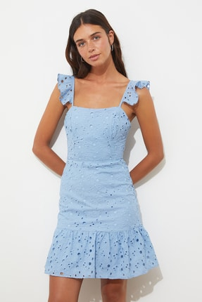 TRENDYOLMİLLA Mavi Fırfırlı Brode Elbise TWOSS21EL3312