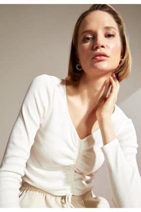 DeFacto Kadın Ekru V Yaka Büzgü Detaylı Uzun Kollu Crop Tişört