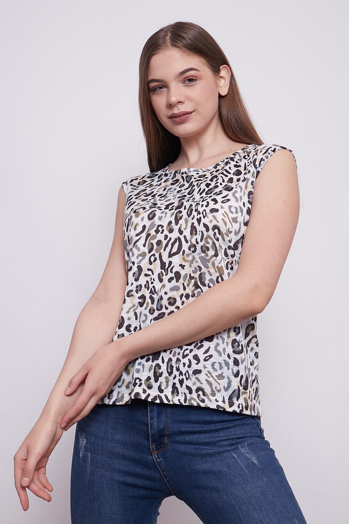 Jument Kadın Desenli Geniş Sıfır Yaka Düşük Omuzlu Tshirt-leopar Desen 1