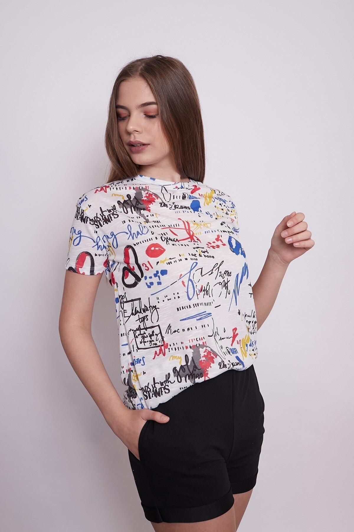 Jument Kadın Sıfır Yaka Kısa Kol Desenli Rahat Kesim T-shirt 1