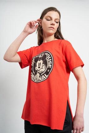 TENA MODA Kadın Kırmızı Eskitme Mickey Mouse Baskılı  T-Shirt