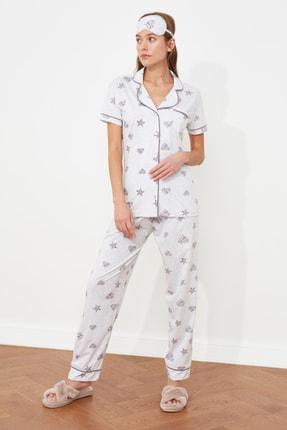 TRENDYOLMİLLA Gri Baskılı Örme Pijama Takımı THMSS21PT1234