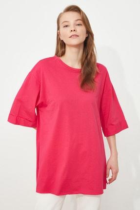 TRENDYOLMİLLA Fuşya Duble Kol Boyfriend Örme T-Shirt TWOSS20TS0828