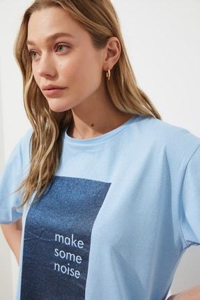 TRENDYOLMİLLA Mavi Baskılı Boyfriend Örme T-Shirt TWOSS20TS0419