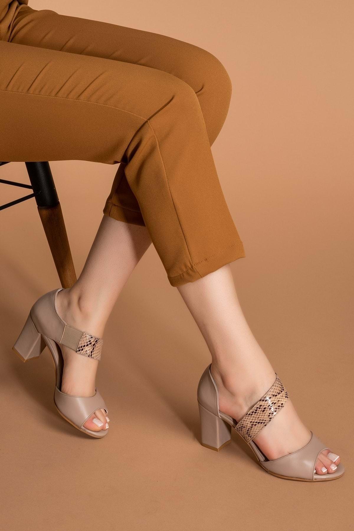 Gondol Kadın Vizon Hakiki Deri Yılan Desenli Topuklu Ayakkabı Şhn.220 1