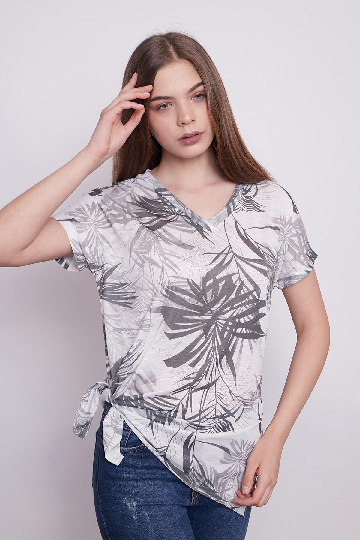Jument Kadın Desenli V Yaka Düşük Omuzlu Yanları Yırtmaçlı Rahat Kesim Tshirt-palmiye Desen 2
