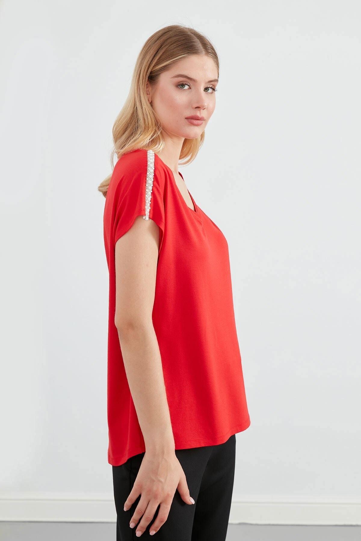 Journey Kadın Kırmızı V Yaka Omuz Üstü İnci Aksesuar Düşük Kol Bluz 1