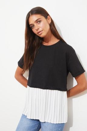 TRENDYOLMİLLA Siyah Piliseli Salaş Örme Bluz TWOSS20BZ1400