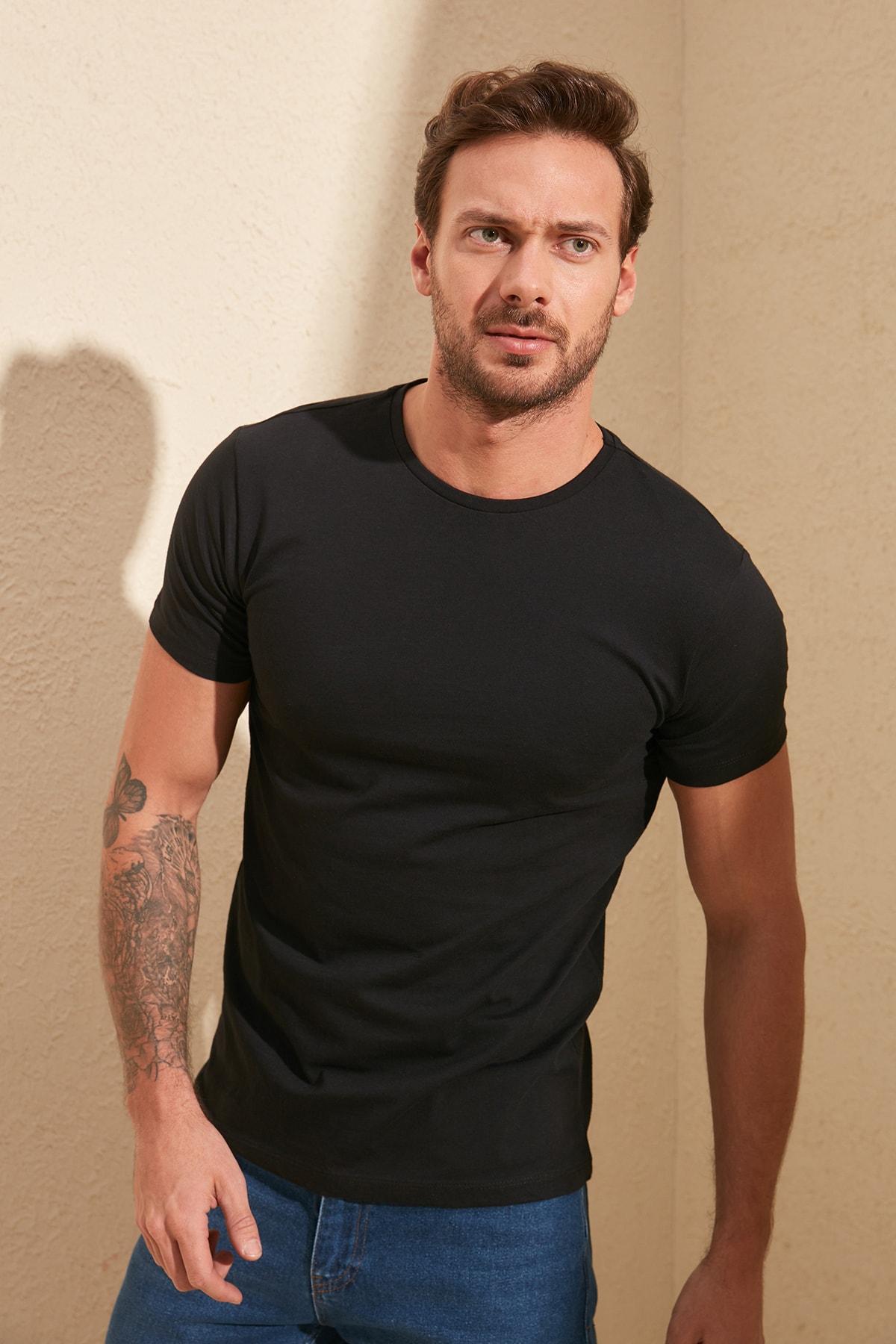 TRENDYOL MAN Siyah Basıc Erkek Slim Fit Pamuklu Kısa Kollu Bisiklet Yaka T-Shirt TMNSS19BO0001 1