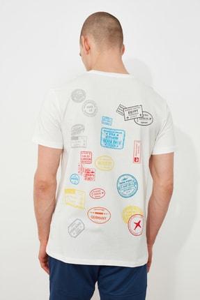 TRENDYOL MAN Ekru Erkek Regular Fit Kısa Kollu Baskılı T-Shirt TMNSS21TS3253