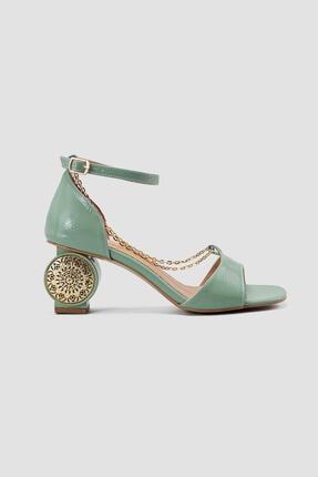 Limoya Yeşil Bilekten Baretli Zincir Detaylı Topuklu Ayakkabı