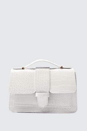 TRENDYOLMİLLA Beyaz Askılı Omuz Çantası TWOSS21OC0012