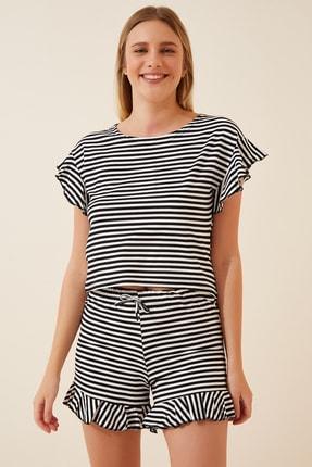 Happiness İst. Kadın Siyah Beyaz Çizgili Fırfırlı Şortlu Pijama Takımı ZV00163