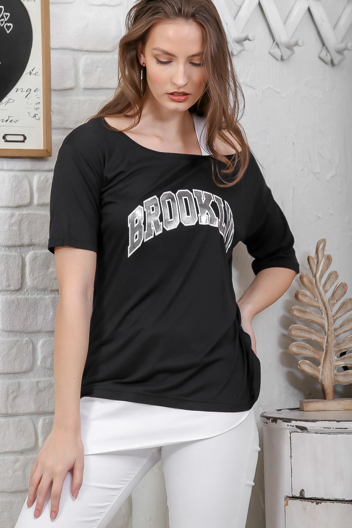 Chiccy Kadın Siyah Kayık Yaka Tek Omuz Askılı Etek Ucu Bloklu Baskılı T-Shirt M10010300TS98266