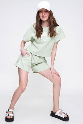 Trend Alaçatı Stili Kadın Çağla Yeşili Bisiklet Yaka Baskılı Şortlu Pijama Takımı ALC-X6323