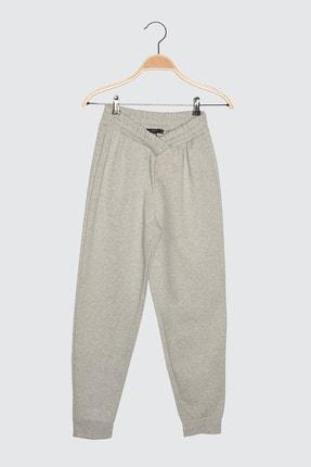TRENDYOLMİLLA Gri Örme Pantolon TWOSS21PL0606