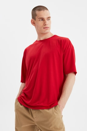 TRENDYOL MAN Kırmızı Basic Erkek Bisiklet Yaka Oversize Kısa Kollu T-Shirt TMNSS21TS0811