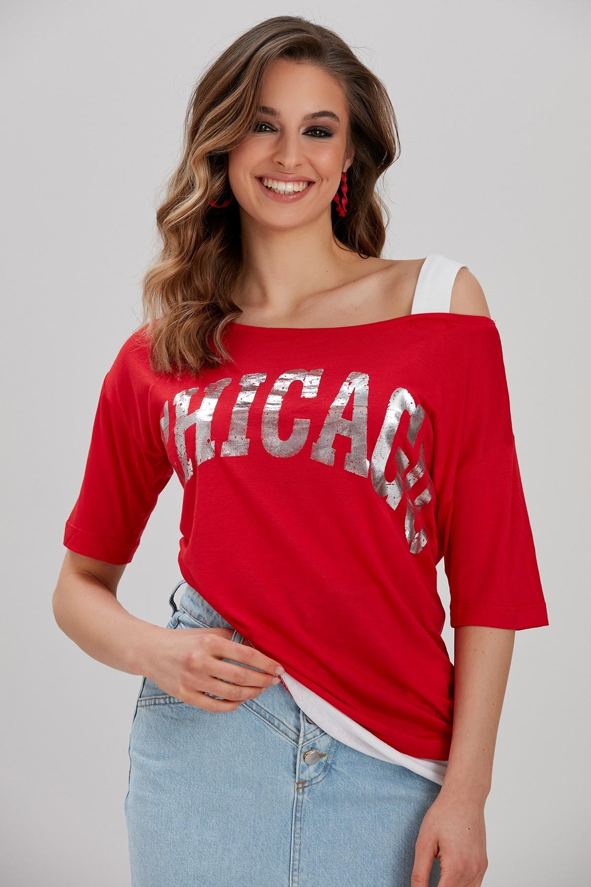 Y-London Kadın Kırmızı Yazı Baskılı Omuz Detaylı T-Shirt YL-TS99788