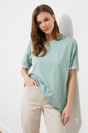 TRENDYOLMİLLA Mint Püskül Detaylı Boyfriend Örme T-Shirt TWOSS21TS0665
