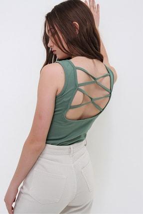 Trend Alaçatı Stili Kadın Yeşil Sırtı Çapraz Biyeli Kolsuz Crep Örme Bluz ALC-X6277