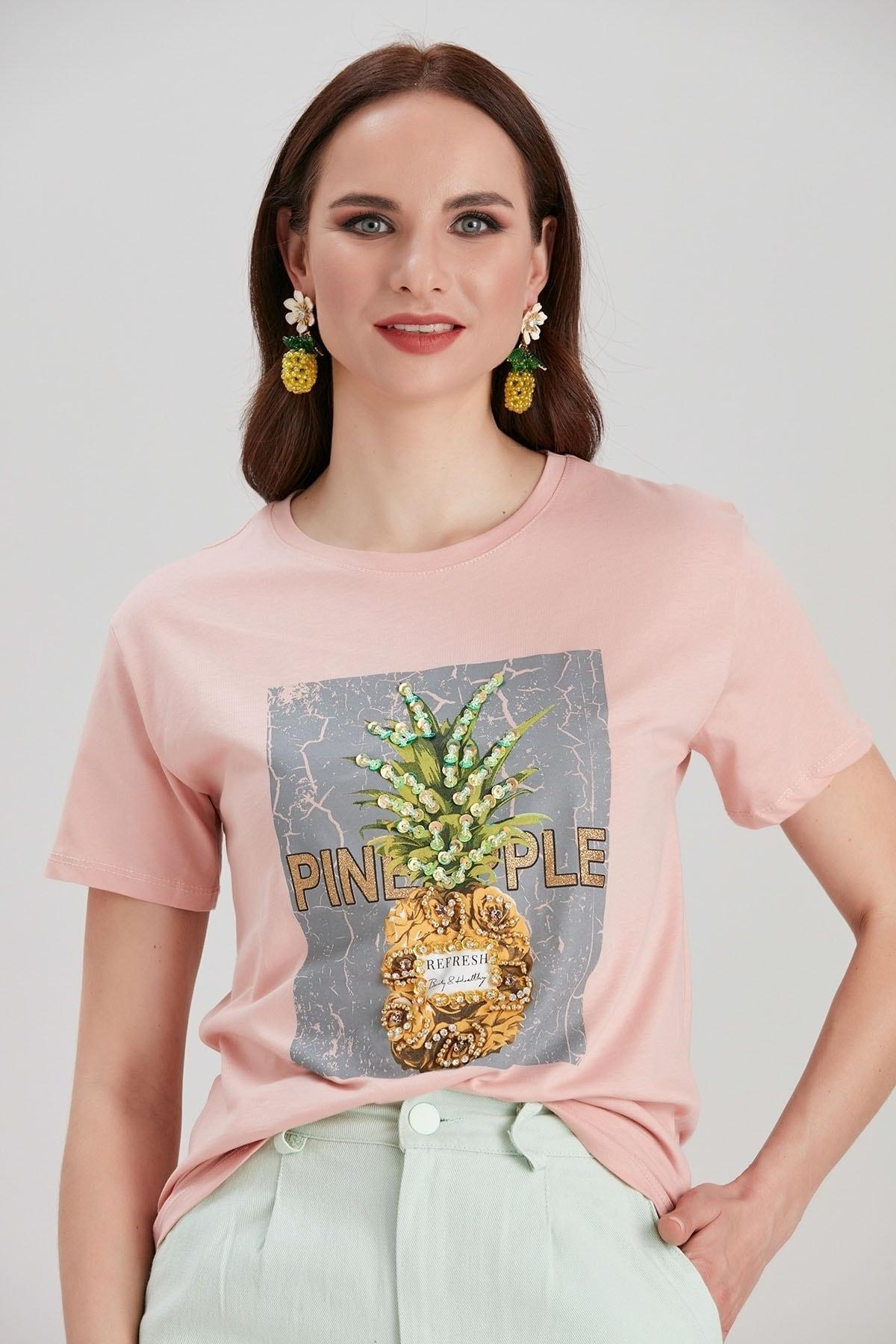Y-London Kadın Pembe Baskılı İşlemeli T-Shirt YL-TS99708