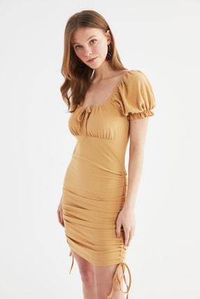 TRENDYOLMİLLA Açık Bej Kare Yaka Büzgülü Örme Elbise TWOSS21EL4060
