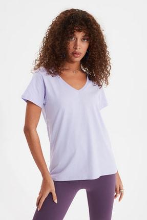 TRENDYOLMİLLA Lila %100 Pamuk V Yaka Basic Örme T-Shirt TWOSS20TS0129
