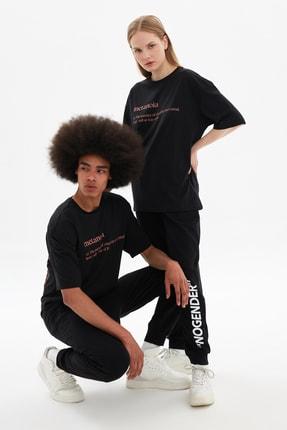 TRENDYOL MAN Siyah Unisex Oversize T-Shirt TMNSS21TS3457