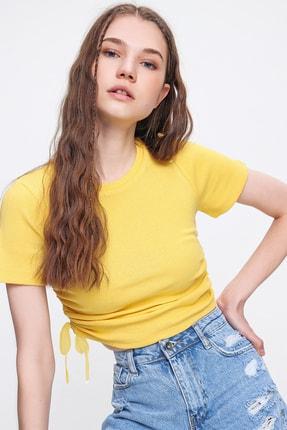 Trend Alaçatı Stili Kadın Sarı Yanı Büzgülü Kaşkorse Bluz ALC-X6078