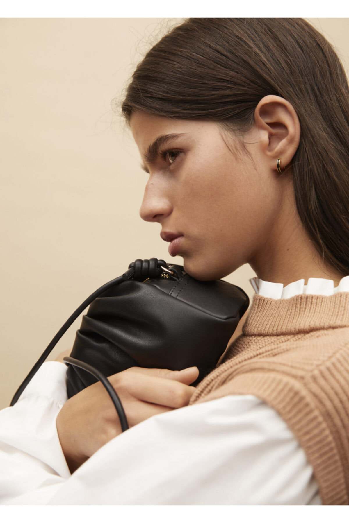 MANGO Woman Kadın Siyah Pilili Mini Çanta 2