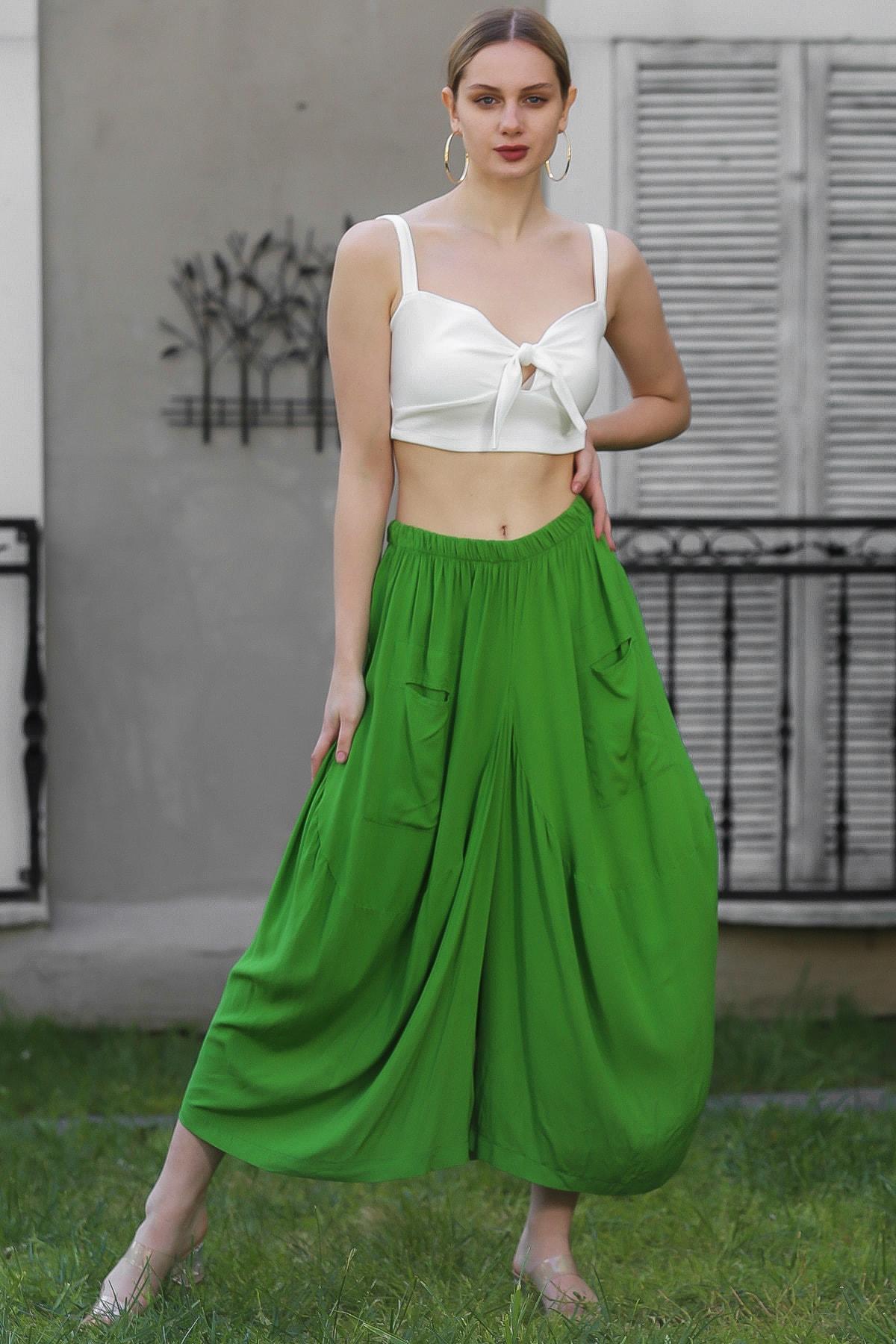 Chiccy Kadın Yeşil Özel Tasarım Cep Detaylı Salaş Dokuma Pantolon M10060000PN98842