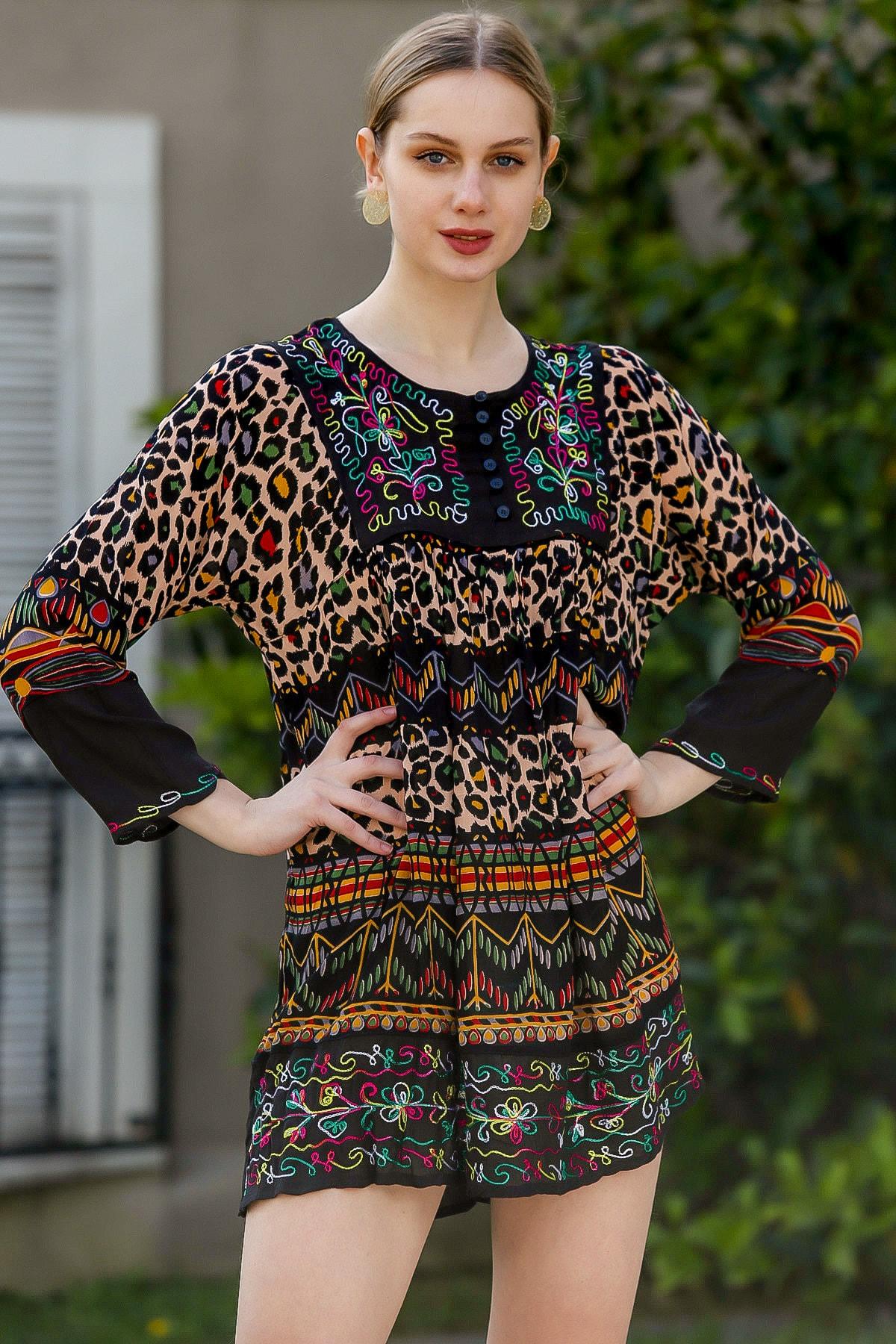 Chiccy Kadın Siyah Robası Nakışlı Süs Düğmeli Hint İşi Dokuma Tunik  M10010500TN99620