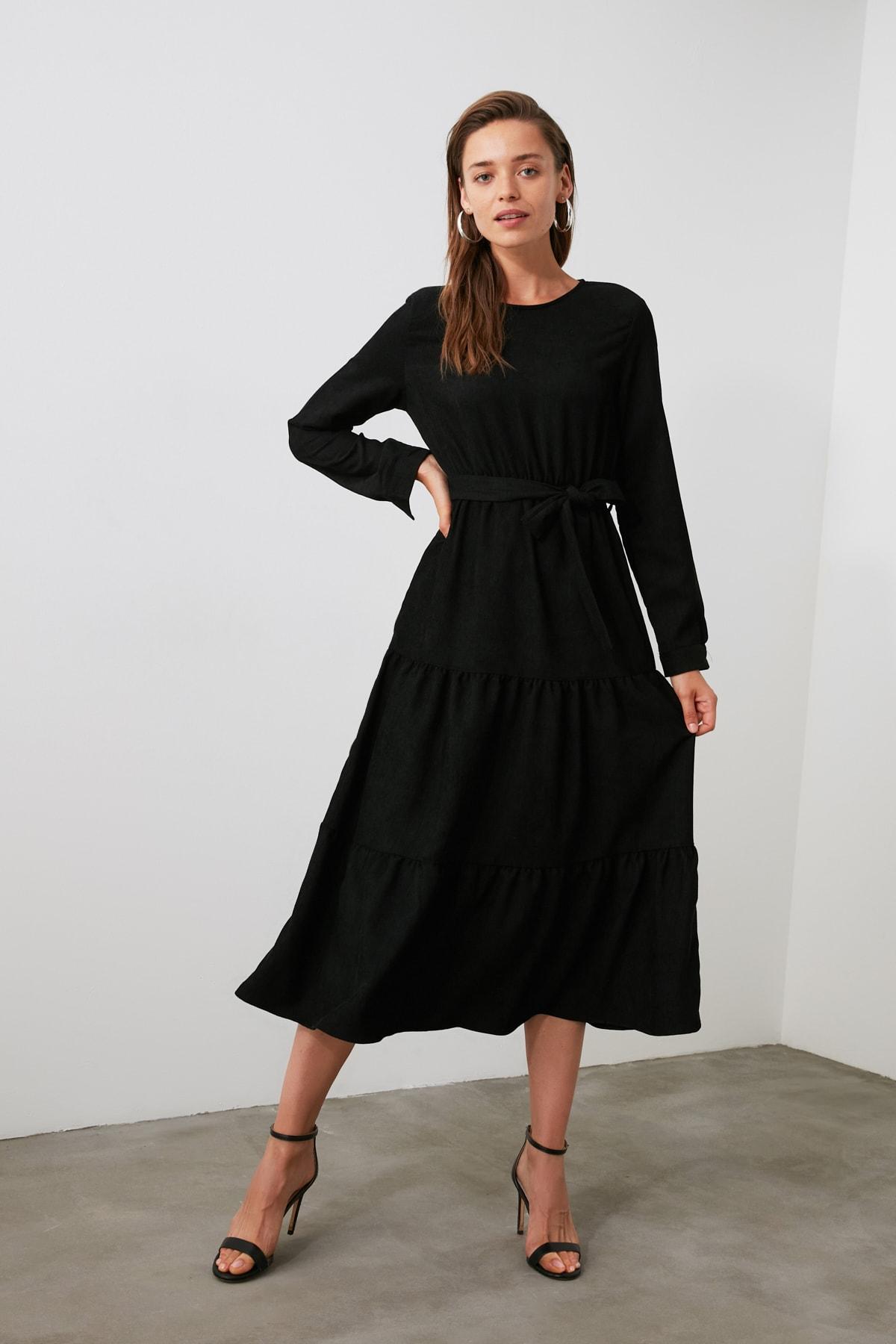 TRENDYOLMİLLA Siyah Kuşaklı Kadife Büzgülü Elbise TWOAW20EL2133 1