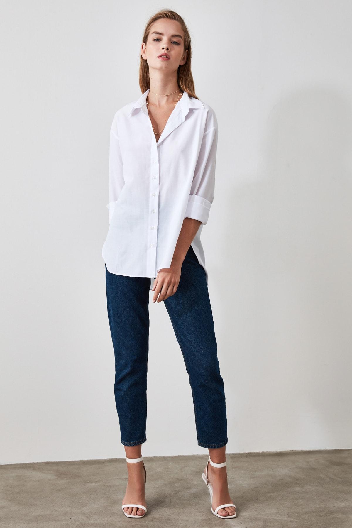 TRENDYOLMİLLA Beyaz Loose Fit Gömlek TWOAW20GO0107 1