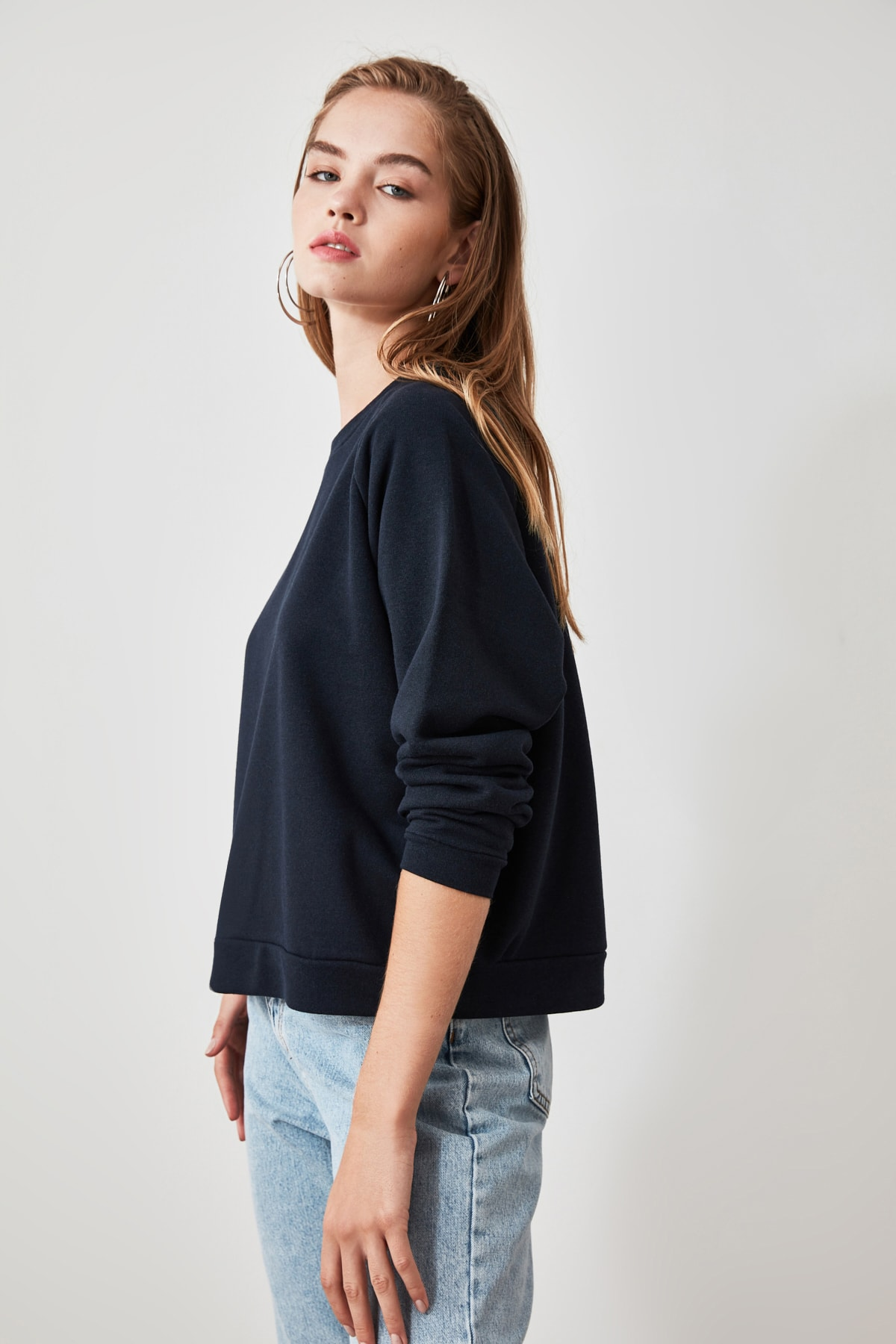 TRENDYOLMİLLA Lacivert Basic Örme Sweatshirt TWOAW20SW0055 2