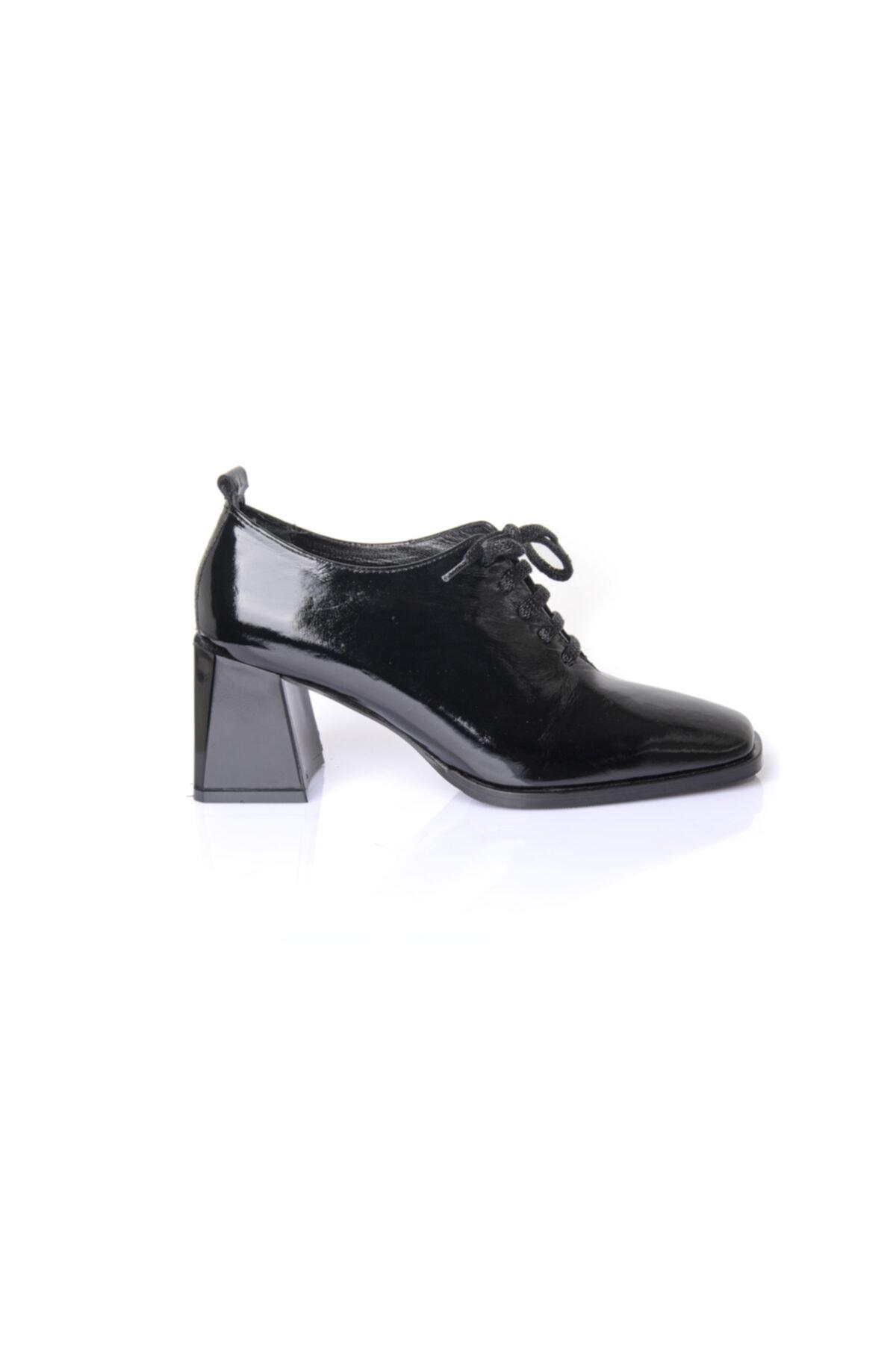 RUKASHOES Kadın Siyah Rugan Hakiki Deri Ayakkabı 7235 1