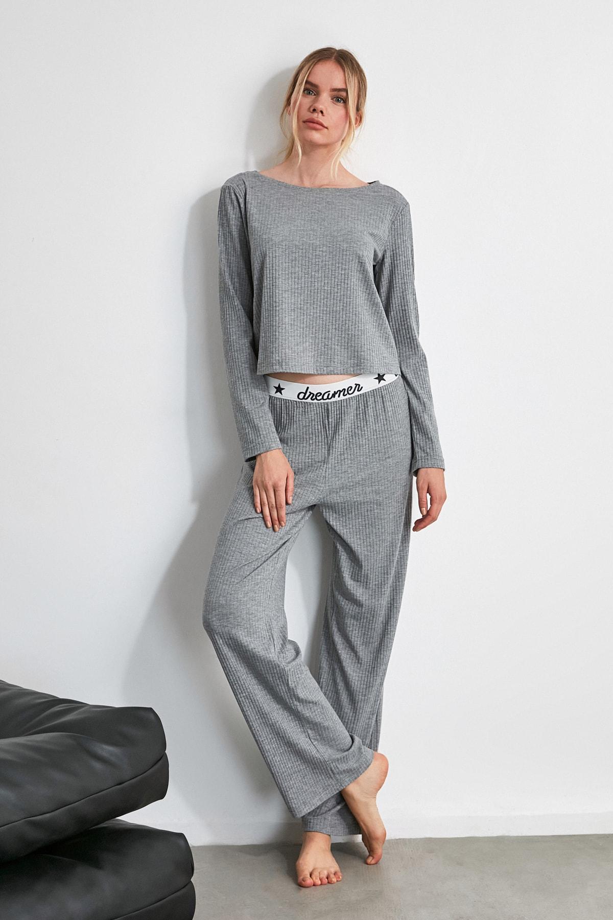 TRENDYOLMİLLA Gri Lastik Detaylı Örme Pijama Takımı THMAW21PT0269 1